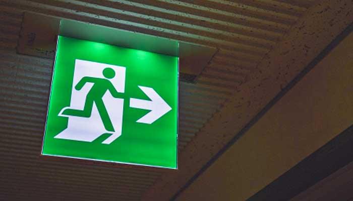 大阪府大東市の電気設備工事、消防設備工事、空間設備業の株式会社恒星エンジニアの消防設備工事の避難設備